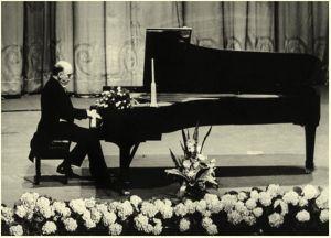 Sviatoslav Richter al pianoforte